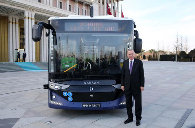 Son dakika Cumhurbaşkanı Erdoğandan sürücüsüz otobüs testi