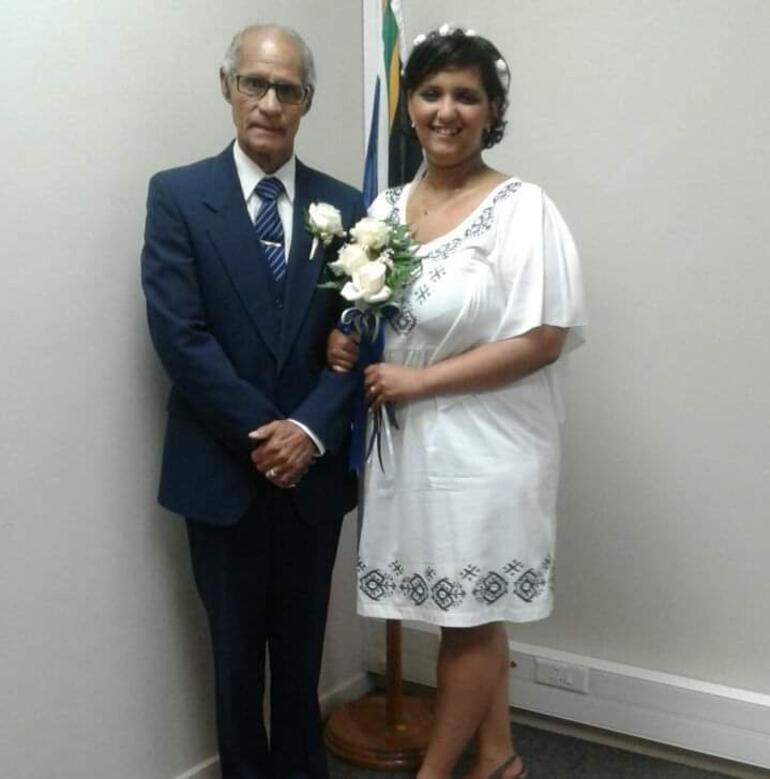 Hukuk öğrencisi, kendisinden 51 yaş büyük kişiyle evlendi ile ilgili görsel sonucu