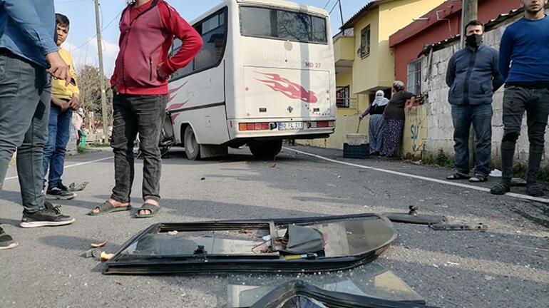 İşçileri taşıyan midibüsler çarpıştı: Çok sayıda yaralı var