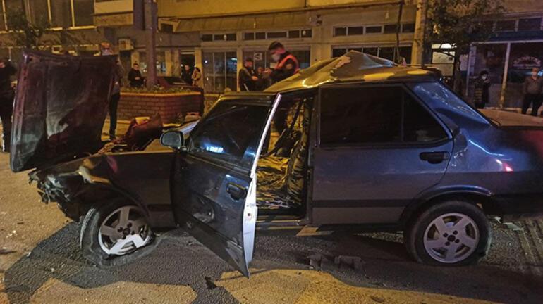 Aydında feci kaza: Park halindeki araçlara çarptı