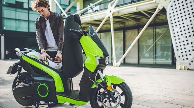 Elektrikli scooter Silence Türkiye yollarında
