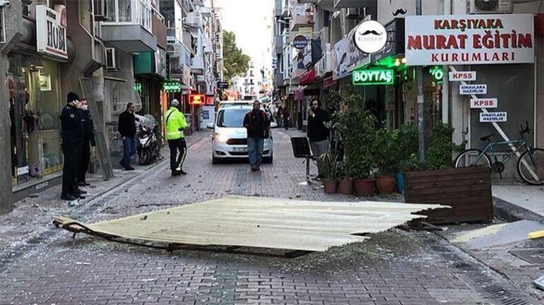 Fırtına İzmiri vurdu Ortalık savaş alanına döndü