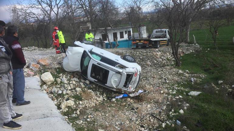Muğlada iki otomobil çarpıştı: 1i ağır 3 yaralı