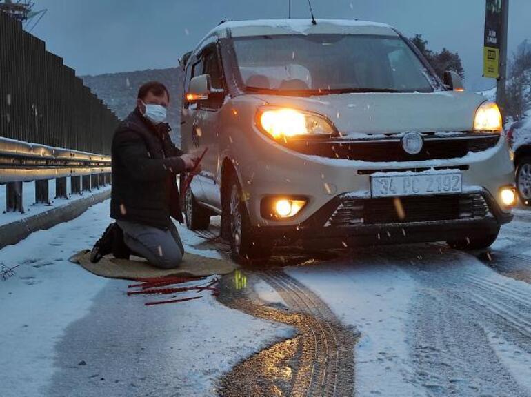 Son dakika haberi: İstanbulda kar yağışı trafiği felç etti
