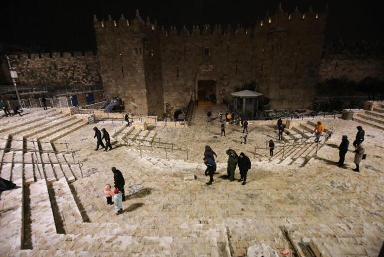 En son 2019da yağmıştı Kudüse mevsimin ilk karı düştü