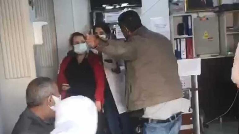 Son Dakika: Aile Sağlık Merkezinde rezalet Pantolonunu indirip çalışanlara küfretti