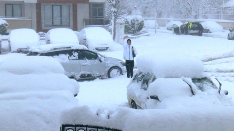 83 yıllık rekor kırıldı Kar 41 santimetreye ulaştı