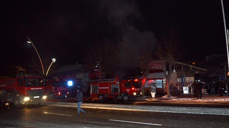 Tokatta yangın 7 iş yeri zarar gördü