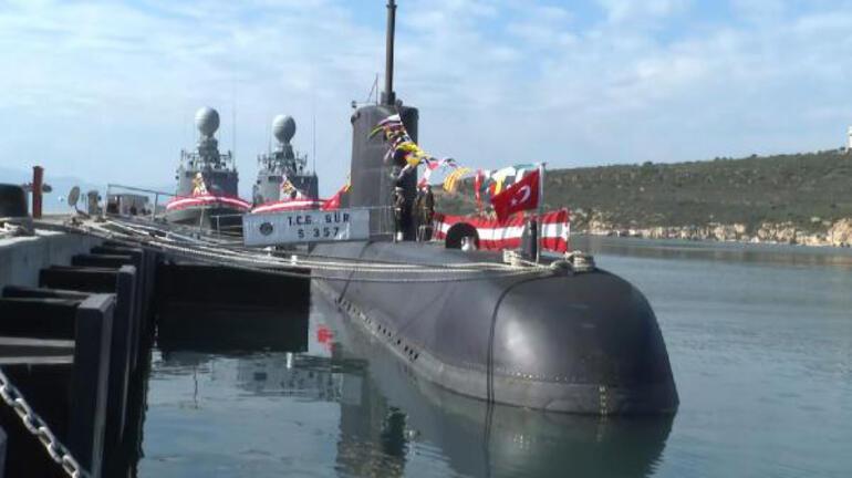 Bakan Akardan TCG Gür denizaltısına ziyaret