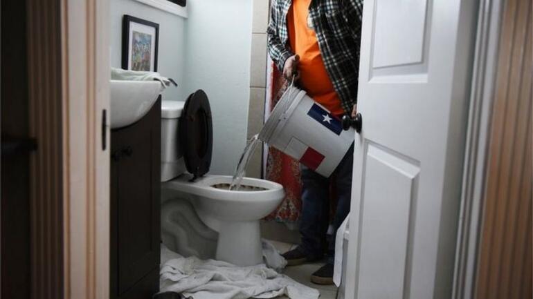 Biden, Teksasta acil durum ilanı için hazır olduklarını duyurdu