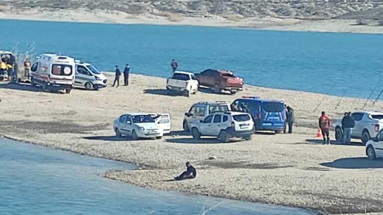 Son dakika... Şanlıurfada minibüste 3 ceset bulundu