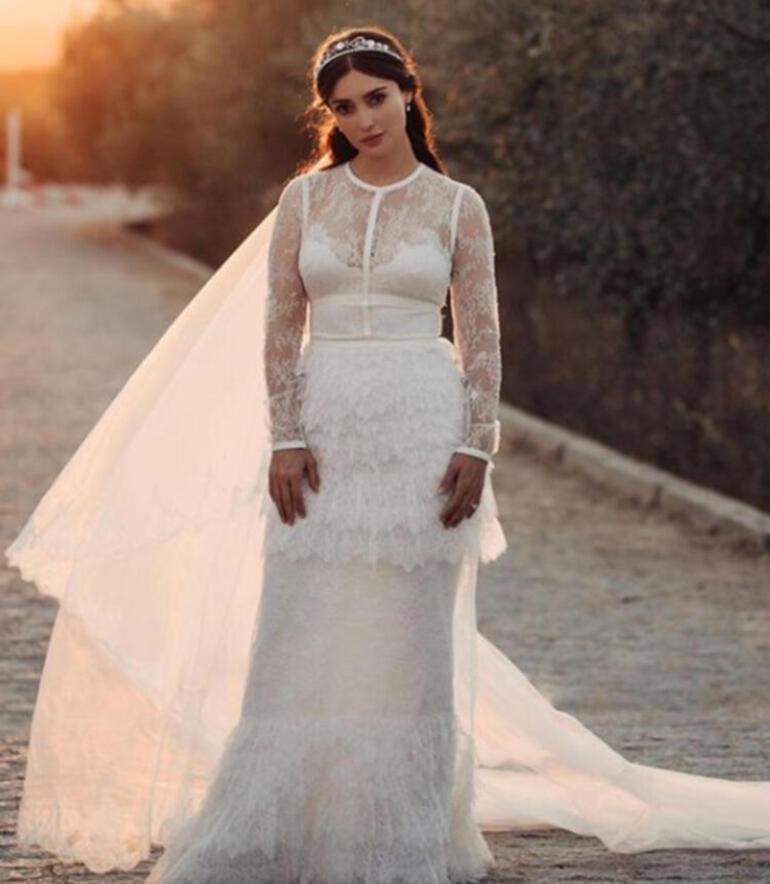 Melike İpek Yalova ile Altuğ Gültan boşanıyor