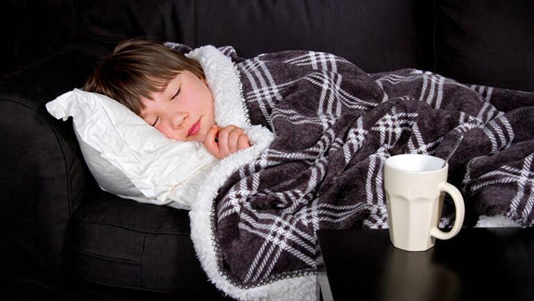 Okula giden çocukların yılda kaç kez hastalanması normal