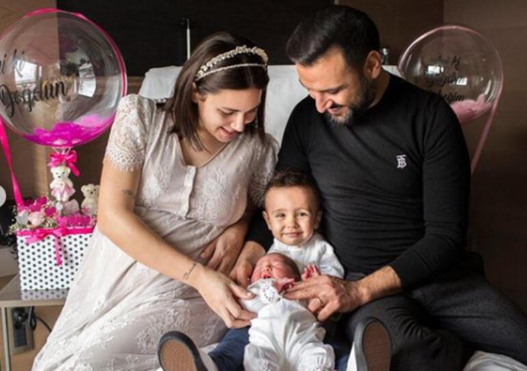 Buse Varol kızının adını koluna yazdırdı
