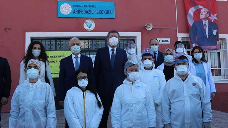 Son dakika... Bakan Ziya Selçuk duyurdu Öğretmenlere koronavirüs aşılaması başladı