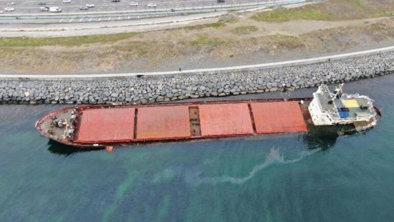 Zeytinburnunda karaya oturan gemiden sızıntı sürüyor