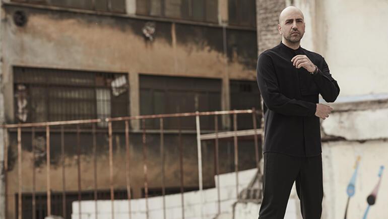 Erkin Arslan: Dijitalleşmenin erişim sağlamakla beraber sanatın büyüsünü ve samimiyetini baltaladığını düşünüyorum