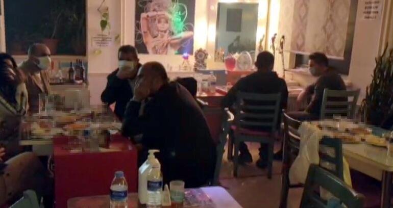 Pavyona çevrilen 2 kafeye yapılan baskında 40 kişi yakalandı