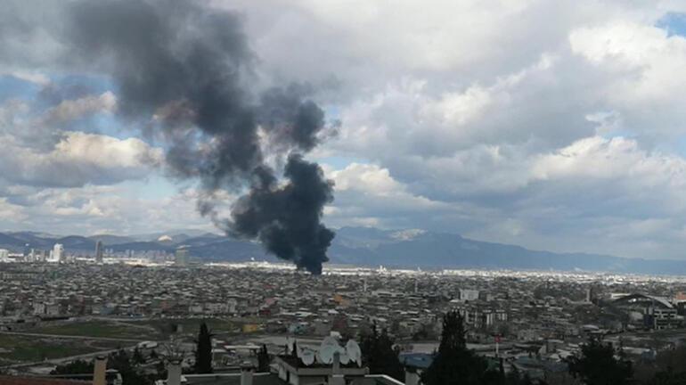 Son dakika... Bursada hurdalıkta yangın Araçlar küle döndü