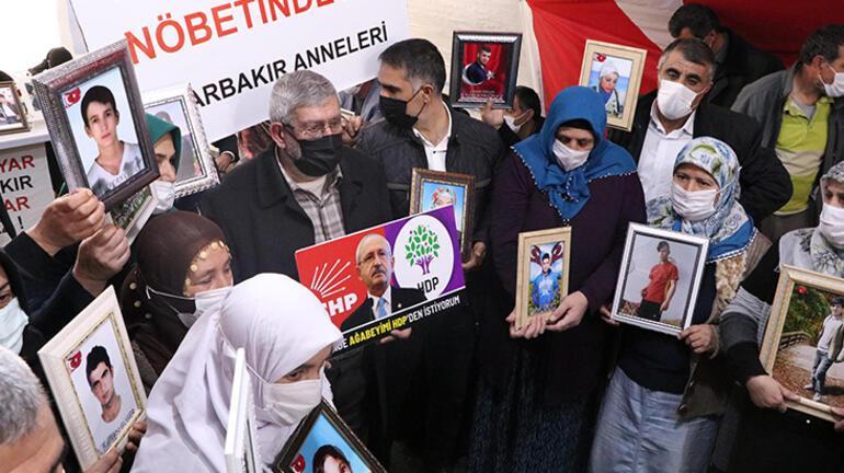 Kılıçdaroğlunun kardeşi, evlat nöbetindeki aileleri ziyaret etti: Ben de ağabeyimi HDPden istiyorum