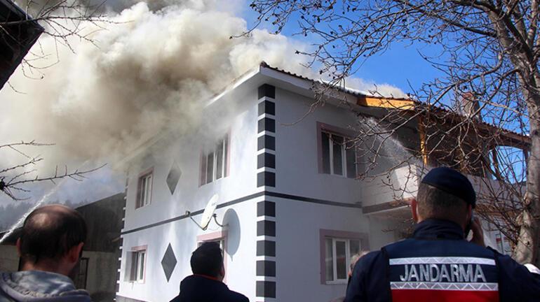 Boluda hareketli dakikalar Vatandaşlar yangını görünce eve koştu