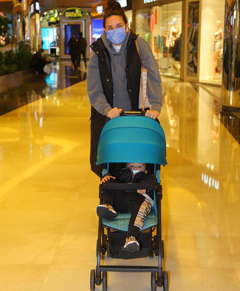 Buse Varol: Anne-oğul alışverişe çıktık