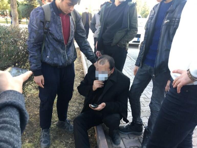 Son dakika haberler: Genç kızlara parkta iğrenç hareket Görenler hemen yakaladı