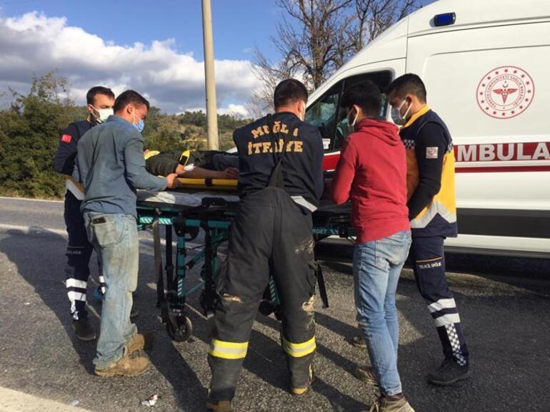 Minibüs ile otomobil çarpıştı: Yaralılar var