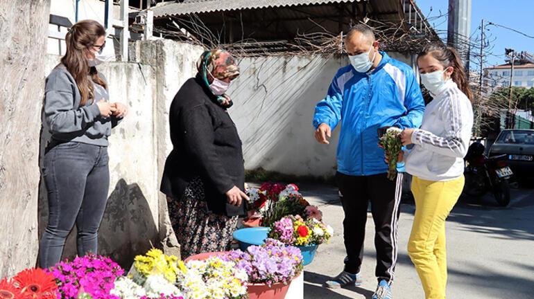 Fedakar anne Mezarlıkta çiçek satıp kızını Oxford Üniversitesi'nde okutuyor
