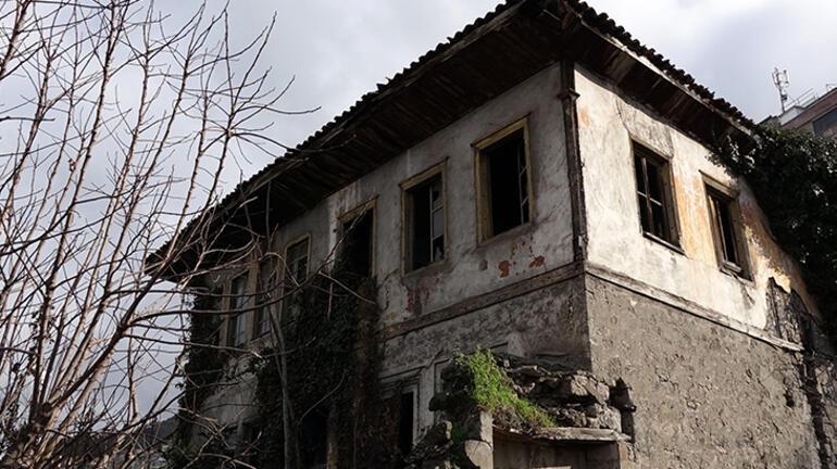 Trabzonda eve dönen sahipleri inanamadı 10 metrelik çukurla karşılaştılar