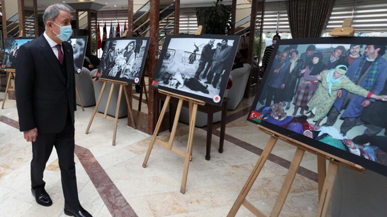 Bakan Akar, 29. Yılında Hocalı Soykırımı fotoğraf sergisinin açılışını yaptı