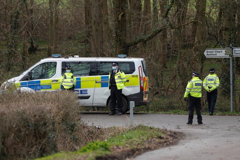 İngiltereyi sarsan kayıp İki polis daha...
