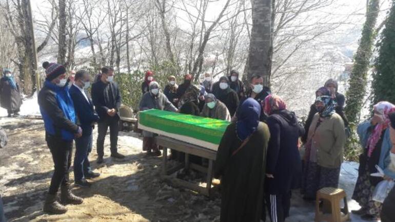 Bursada zincirleme trafik kazasına hayatını kaybedenler toprağa verildi