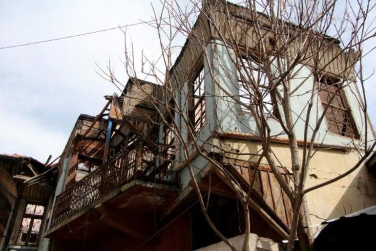 Son dakika Şener Şen'in bu evde dünyaya geldiği iddia ediliyor Mahalleli tedirgin