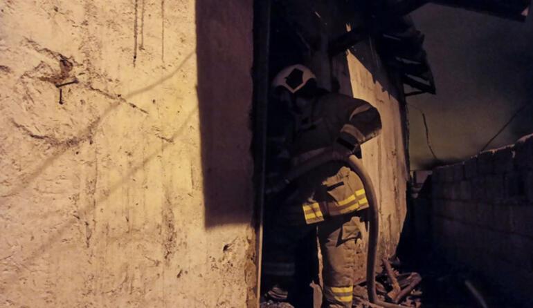 Balıkesirde korkutan ev yangını