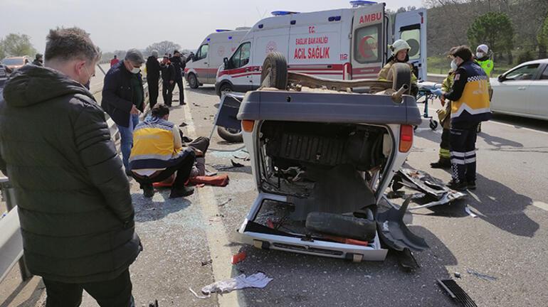 Son dakika... Ters yönden gelen feci kaza Otomobilde sıkışarak öldü