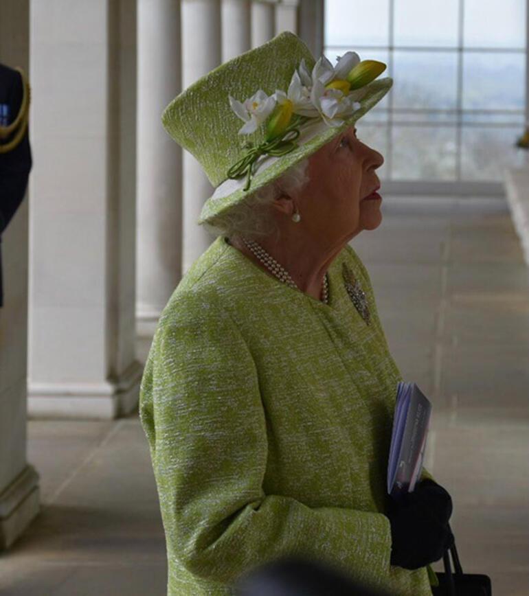 Kraliçe ortaya çıktı Ortalığı karıştıran açıklamalardan sonra bir ilk