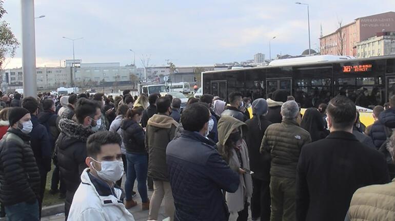 Son dakika... İstanbulda metro seferlerini aksatan yangın