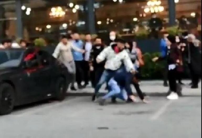 Sultangazide kız kavgası Feci şekilde dövdüler