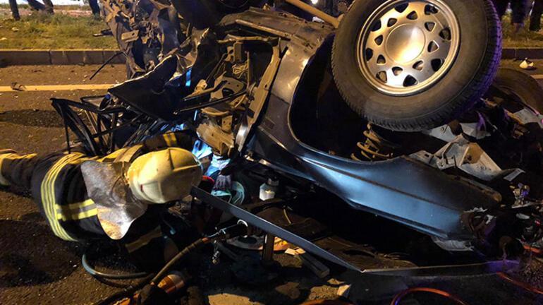 Manisada feci kaza: 2 ölü, 4 yaralı