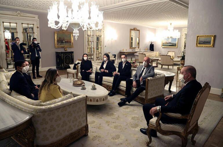 Son dakika - Cumhurbaşkanı Erdoğan, TVF yöneticileri ve oyuncularını kabul etti