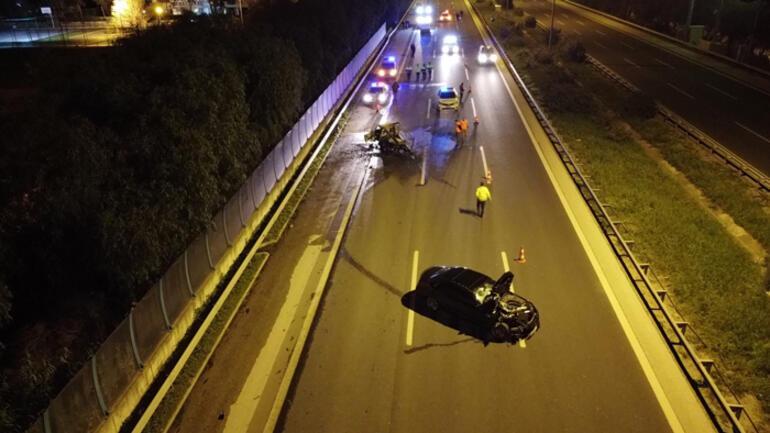 İzmirde korkunç kaza Kamyonet küle döndü