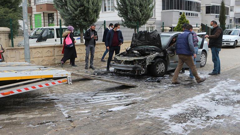 Son dakika... 3 gün önce satın aldığı otomobil alev alev yandı