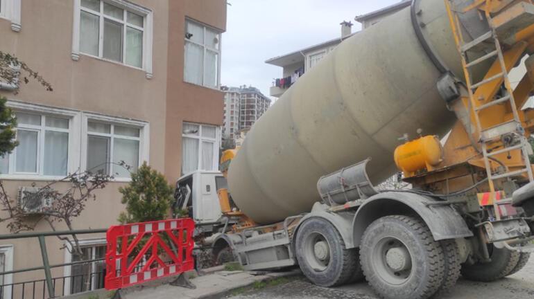 Son dakika... Beşiktaşta beton mikseri 7 katlı binaya çarptı