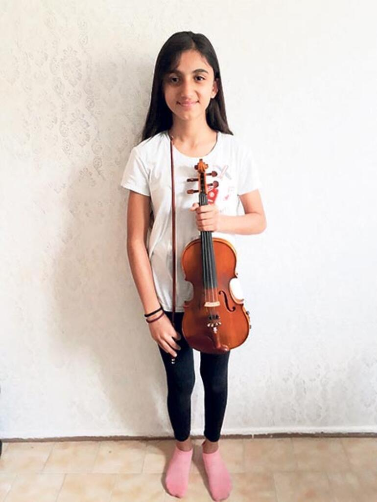 Çocuk orkestrası 23 Nisan'a hazırlanıyor