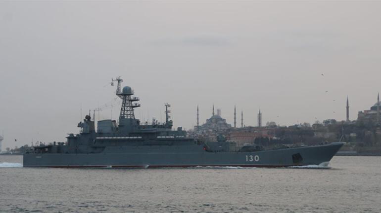 Rus savaş gemileri Boğazdan geçti Dikkat çeken detay...