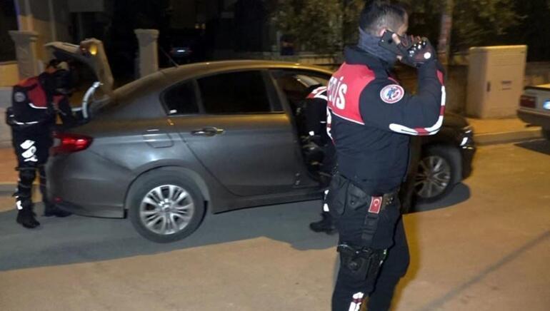 Antalyada hareketli gece Mahalleli sokağa döküldü