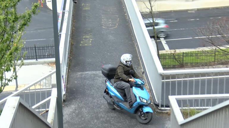 Son dakika... Şişlide zor anlar Yaya üst geçidini motosiklet sürücüleri işgal etti