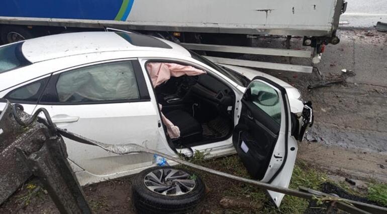 Zincirleme kazayı izlemek için yavaşladı Ortalık karıştı