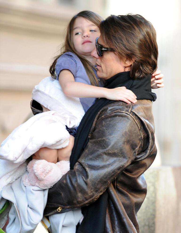 Katie Holmes ve Tom Cruiseun kızları Suri 15 yaşında